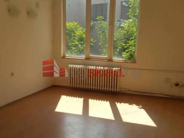офис под наем 64 кв.м. на трети етаж в офис сграда в центъра на гр.Русе