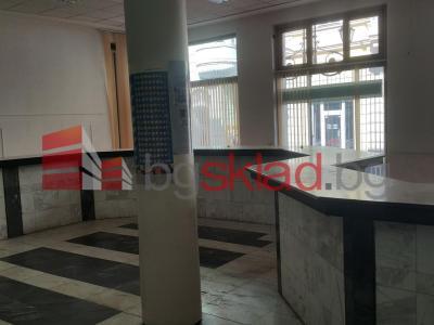офис под наем 170 кв.м на партерен етаж в офис сграда в центъра на гр.Русе